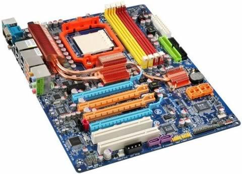 Gigabyte GA-MA790FX-DQ6